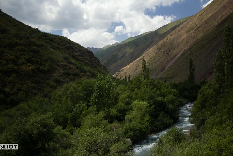 chon kaindy valley kyrgyzstan