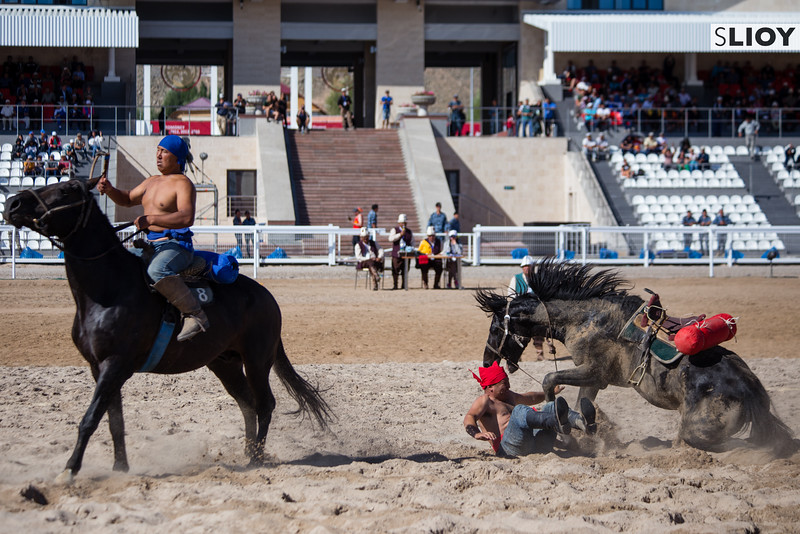 Er Enish horse wrestling at the 2016 World Nomad Games in Kyrgyzstan.