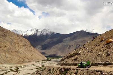 Wakhan tajikistan transportation stalled lada