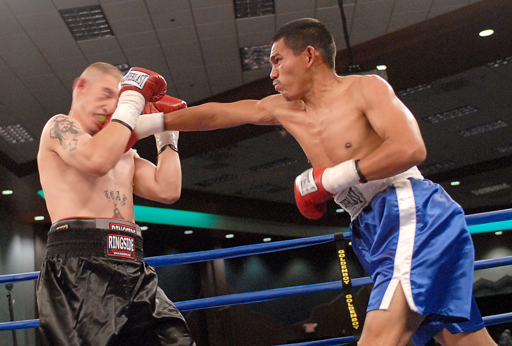 (3.30.2007 - Desert Diamond Casino)  Images from the March 30, 2007 Golden Boy Promotions card at the Desert Diamond Casino.