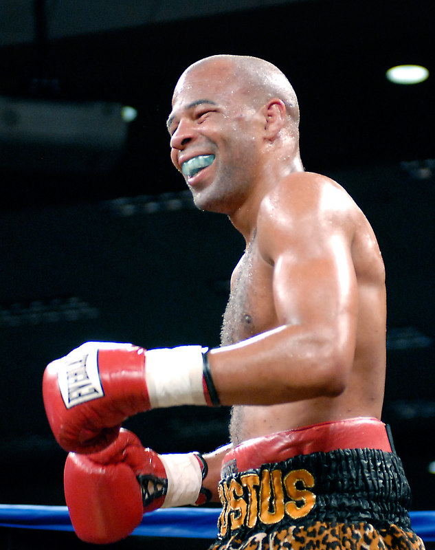 (3.10.2006 --- Desert Diamond Casino)  Emanuel Augustus enjoys a smile in the 7th round of his WBO Intercontinental Junior Welterweight Championship bout.