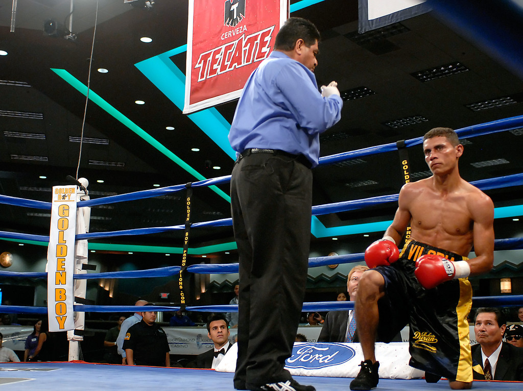 (9.7.2007 -- Tucson, AZ)  Images from the boxing card at the Desert Diamond Casino.