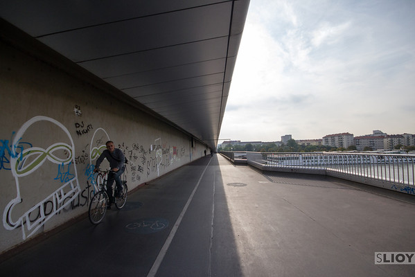 vienna bicycle path danube bridge