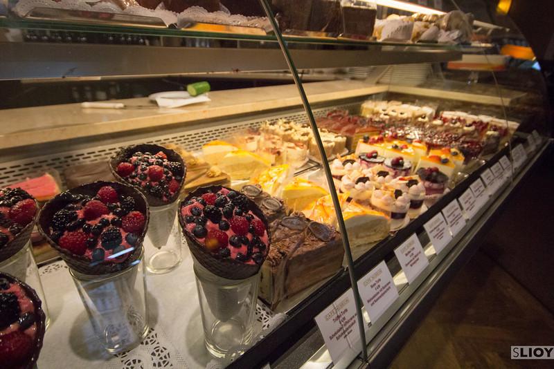 cafe museum dessert display