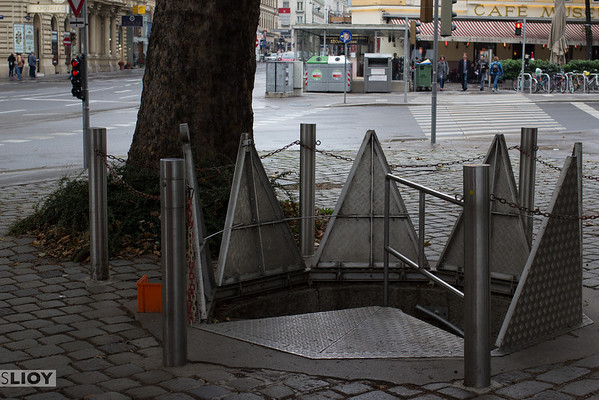 vienna sewer entrance
