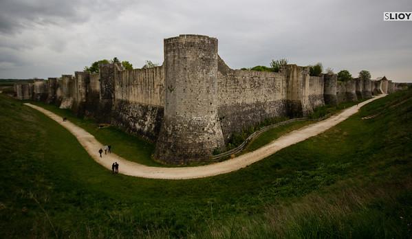 walls of provins france