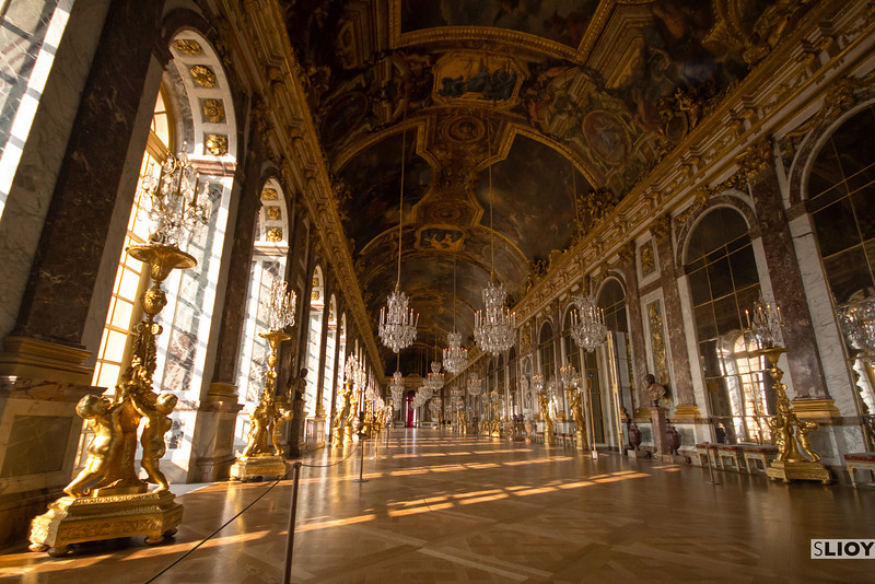 the palace of versailles hall of mirrors