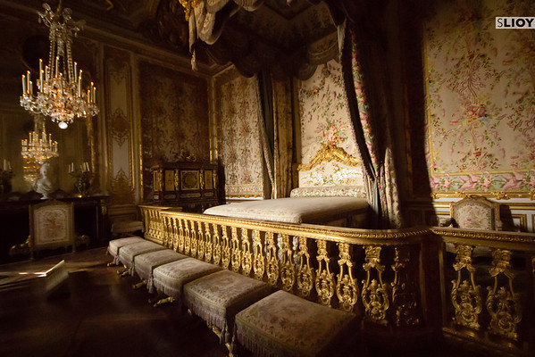 versailles palace bedchamber of the queen