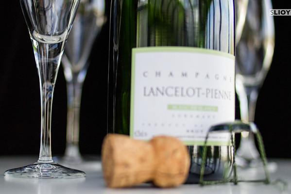 seine cruise with champagne