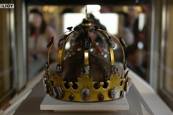 crown jewels at the louvre museum