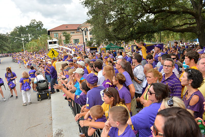 September 27, 2014: LSU Tigers fans line up for the Tiger Walk before a game between New Mexico State and No. 17/18 LSU at Tiger Stadium in Baton Rouge, LA.