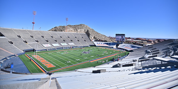EL PASO, TEXAS - FEBRUARY 21, 2021:  The New Mexico State Aggies and the Tarleton State Texans warm up before their game at Sun Bowl Stadium on February 21, 2021 in El Paso, Texas.  (Photo by Sam Wasson/bleedCrimson.net)