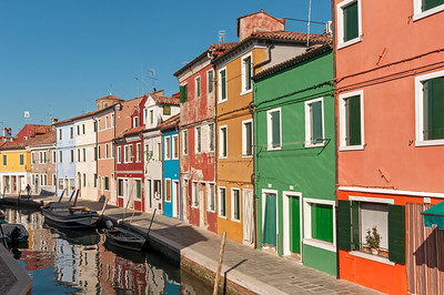 Brightly Painted Houses of Fondamenta Pontinello Destra, Burano, Venice, Veneto, Italy