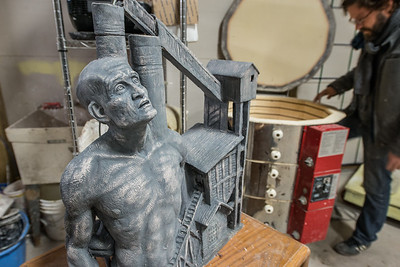 Jamie Lester_Sculptor_Painter_Artist_West Virginia_photo by Gabe DeWitt_January 14, 2015-41