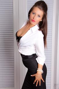Layla Leigh-25