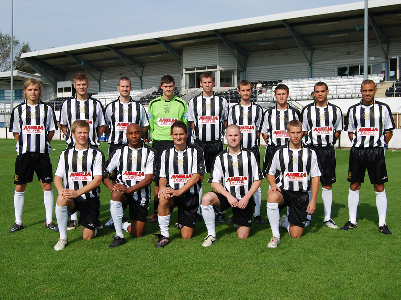 <CENTER>The squad v Bashley 20/09/08 - Anglia Traffic , new shirt sponsorship Back Row : Danny Spendlove, Lee Chaffey, Neil Sharp, Zac Barrett, Dave Theobald, James Krause, Scott Neilson, Ramon Calliste, Neil Midgley Front Row : Ben Nunn, Mark Smith, Adrian Cambridge, Stephen Smith, Ashley Fuller</CENTER>