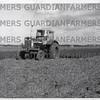 International 706 C.H. Taylor, Abingdon, Berks, prepairing a seedbed.