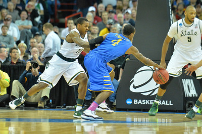 March 20, 2014: Delaware Fightin' Blue Hens forward Tom Allshouse (1) tries to corral a loose ball during a second round game of the NCAA Division I Men's Basketball Championship between the 4-seed Michigan State and the 13-seed Delaware at Spokane Arena in Spokane, Wash. Michigan State defeated Delaware 93-78.