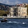 beylerbeyi palace with boat
