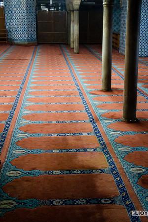 patterned prayer carpet in rustem pasa mosque