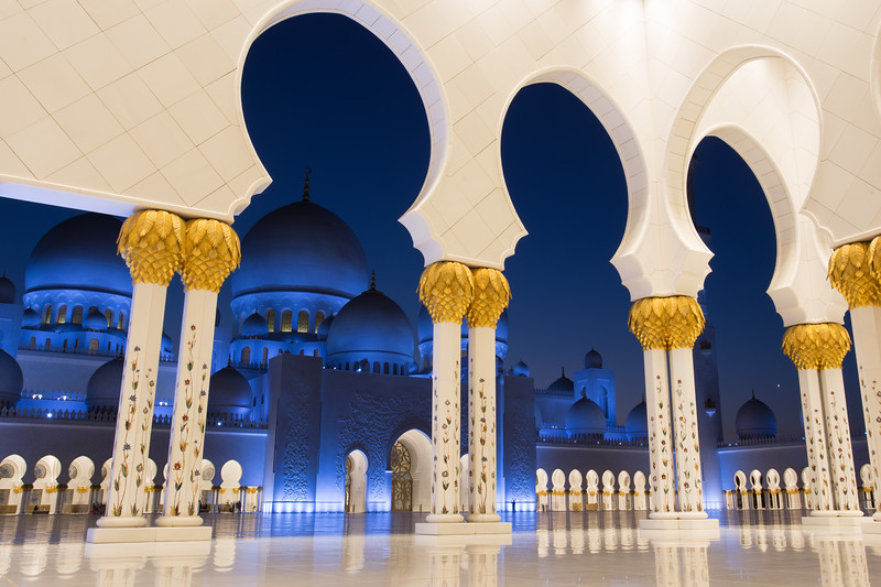 View into the entrance of the Sheikh Zayed Grand Mosque in Abu Dhabi, UAE.