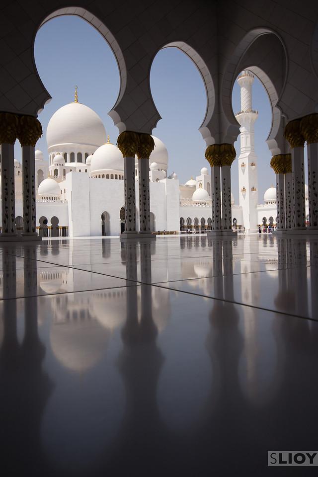Abu Dhabi Grand Mosque.<br /> <br /> Abu Dhabi, United Arab Emirates.