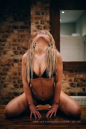 GrimeandGlamour- jenny-bikini-9924