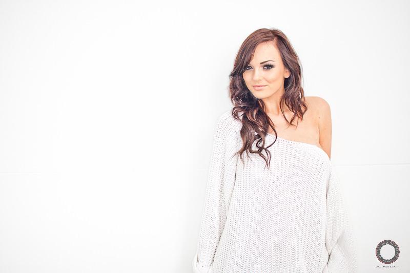 sarah-whitesweater