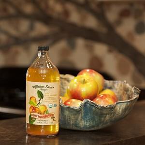 32 oz ACV bottle w bowl of apples 147