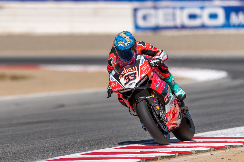 Marco Melandri on the #33 Ducati Panigale R heading towards Turn 4