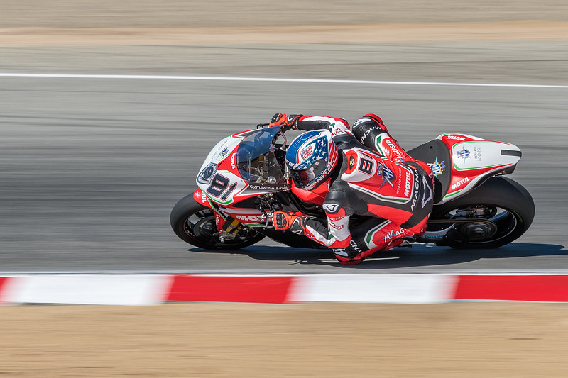 Jordi Torres on the #81 MV Augusta 1000 F4