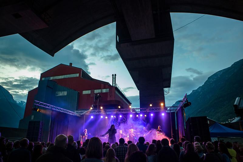 Åge Sten Nilsen: The show must go on