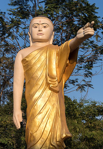 Buddha statue with extended arm and pointing finger (Naung Daw Gyi Mya Tha Lyaung), Bago, Burma (Myanmar)