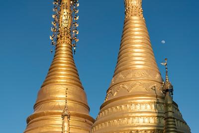 Golden stupas at Nigyon Taungyon Kyaung Temple, Nyaungshwe (Nyaung Shwe), Burma (Myanmar)