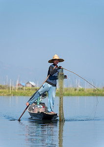 Leg-rowing Intha fisherman on Inle Lake, Burma (Myanmar)