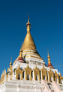 Golden stupa, Nyaungshwe (Nyaung Shwe), Burma (Myanmar)