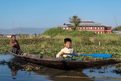 Intha people rowing boat, Inle Lake, Burma (Myanmar)