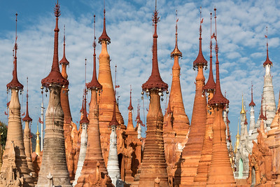 Stupas of Shwe Inn Thein Paya