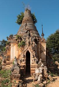 Crumbling stupa at Nyaung Oak monastery in Inthein (Indein) near Inle Lake, Burma (Myanmar)