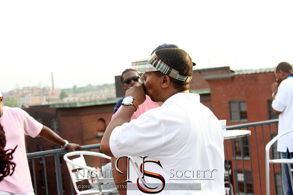 Nightsociety out and about in the streets of Saint Louis. Photography by Maurice