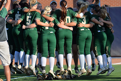 TUCSON, AZ - MAY 26:  The Baylor Bears huddle for a pregame chant before game one of the NCAA Div. I Super Regional against the Arizona Wildcats on May 26, 2017 at Hillenbrand Stadium in Tucson, Arizona. Arizona won 3-2.  (Photo by: Sam Wasson)