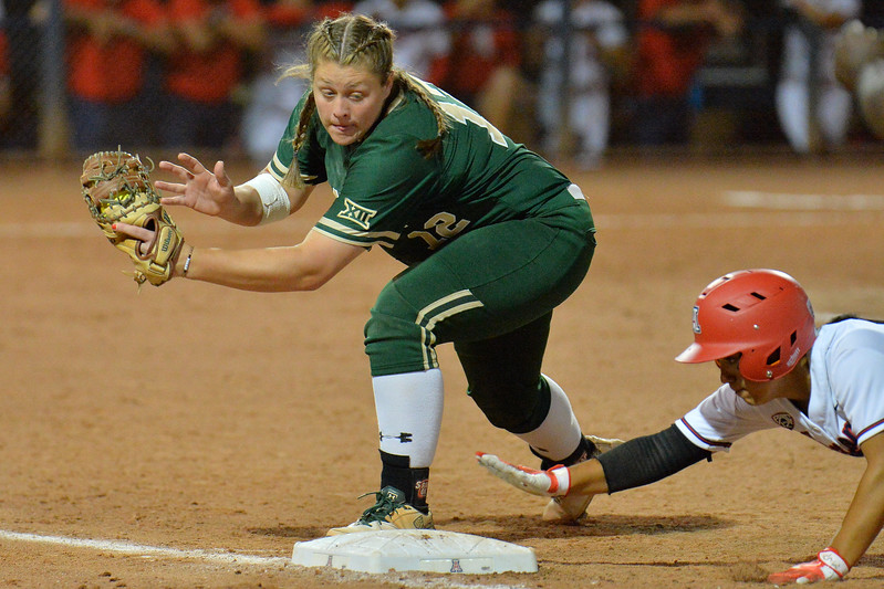 TUCSON, AZ - MAY 26:  Shelby Friudenberg #12 of the Baylor Bears (L) tries to apply a tag during game one of the NCAA Div. I Super Regional against the Arizona Wildcats on May 26, 2017 at Hillenbrand Stadium in Tucson, Arizona. Arizona won 3-2.  (Photo by: Sam Wasson)