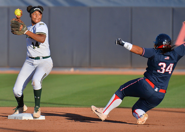 TUCSON, AZ - MAY 27:  Ari Hawkins #14 of the Baylor Bears (L) tags second base before throwing to first base during game two of the NCAA Div. I Super Regional against the Arizona Wildcats on May 26, 2017 at Hillenbrand Stadium in Tucson, Arizona.  Baylor won 6-4.  (Photo by Sam Wasson)
