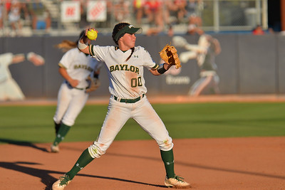 TUCSON, AZ - MAY 27:  Lindsey Cargill #00 of the Baylor Bears throws to first base during game two of the NCAA Div. I Super Regional against the Arizona Wildcats on May 26, 2017 at Hillenbrand Stadium in Tucson, Arizona.  Baylor won 6-4.  (Photo by Sam Wasson)