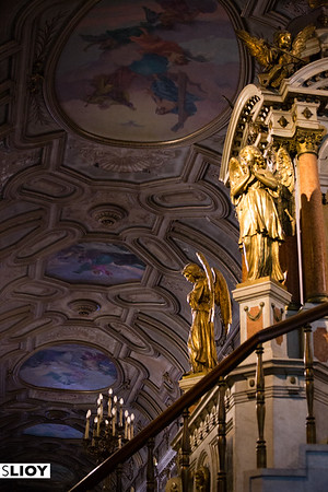 Details inside Santiago Chile's Metropolitan Cathedral .
