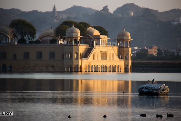 Late sun at the Jaipur Water Palace.