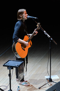 Suzanne Vega with Gerry Leonard @ The Anvil Basingstoke 21/06/15