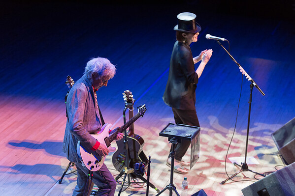 Suzanne Vega with Gerry Leonard @ The Anvil Basingstoke 21/06/15