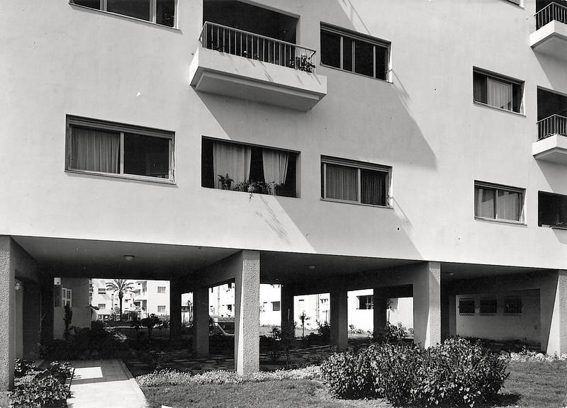 Ben-Gurion Boulevard Wing