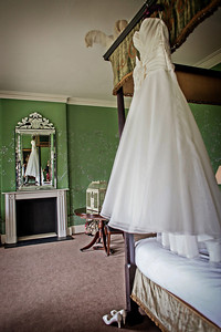Hayley and James' gorgeous spring wedding at Stubton Hall, Nottinghamshire